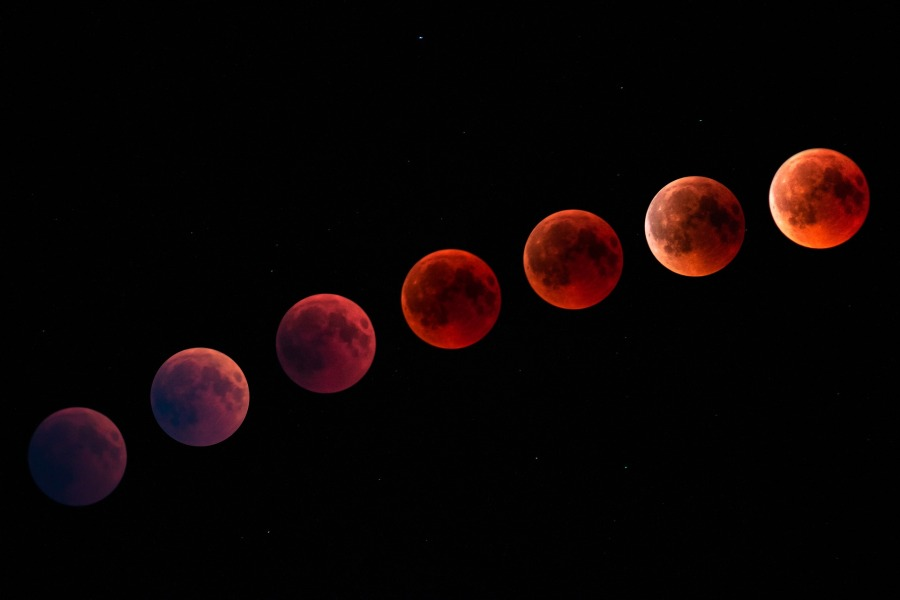 Be Bad During the Blood Moon inLeo